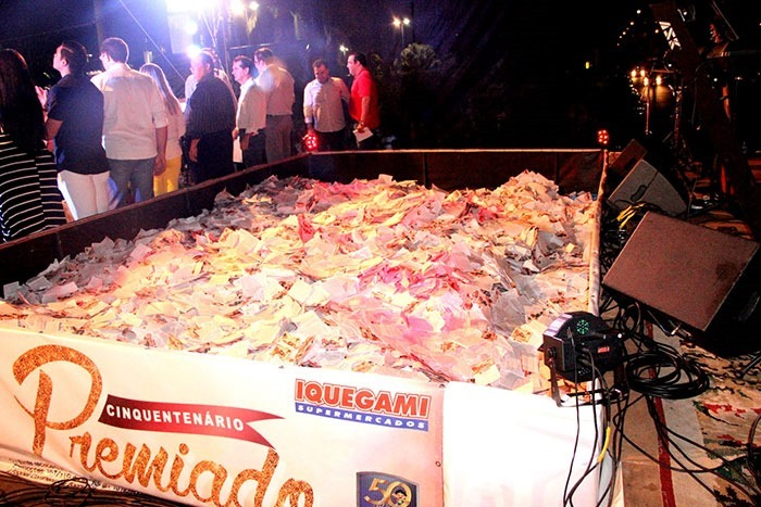 Quantidade-enorme-de-cupons