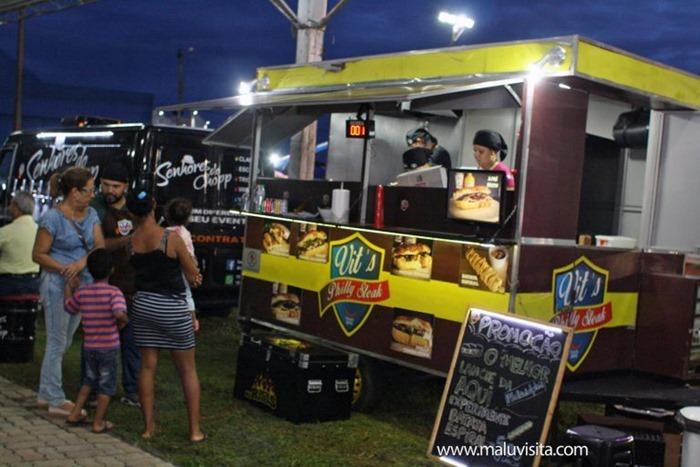 Hot-Beach-Feira-Gastronomica-Artesanal-Food-Truck_8576-768x512
