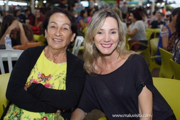 Hot-Beach-Feira-Gastronomica-Artesanal-Food-Truck_8644-768x512