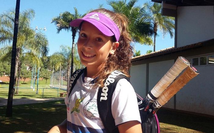 Rayssa-tenista-treino