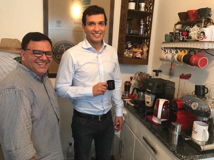No Café Diário, Antonio Padron com Paulo Marcondes