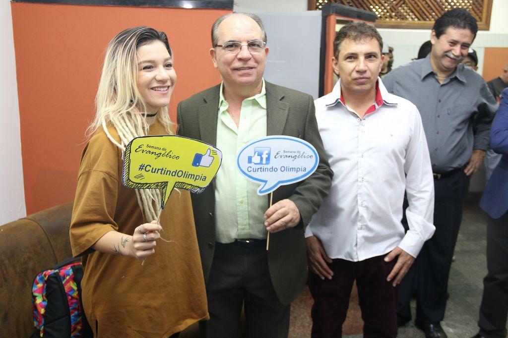 Priscilla com prefeito Fernando Cunha, Zé Kokão, e o vereador João Magalhães